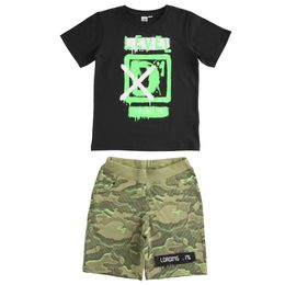 iDO outfit with T-shirt and camouflage patterned short trousers
