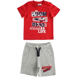 Colourful jersey T-shirt and short trousers outfit