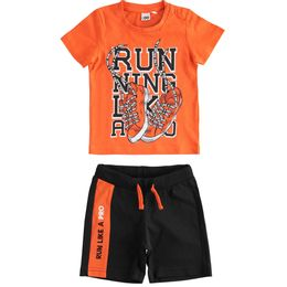 """""""Running"""" T-shirt and short trousers outfit"""